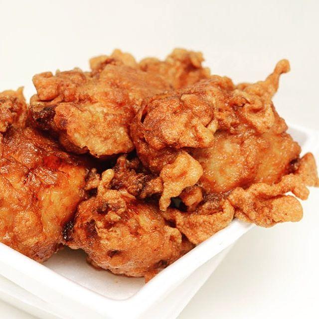 @mayumi3100 さんにオススメいただいた弁当屋のから揚げ弁当をお昼に。すごいボリュームに驚き︎郡山1の大きさじゃない︎#弁当屋 #弁当 #から揚げ弁当 #唐揚げ #鶏むね肉 #ボリューミー #郡山 #koriyama #fukushima #台新 #チキンラーメンのにおい