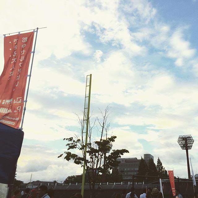 開成山野球の試合場でお祭りみたいなのやってたから行ってきた!  #開成山野球場 #開成山 #開成山公園 #花火 #スターマイン #ポケストップ #郡中 #のぼり #野球場 #郡山市 #郡山 #koriyama #空