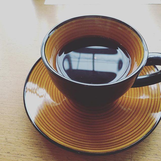 ブランでちょっとコーヒータイム、午後は何しようかな。 #ブラン #コーヒー #紅茶 #軽食 #休憩 #一服 #菜根 #お盆 #定休日 #カフェ #ランチ #郡山市 #郡山 #koriyama