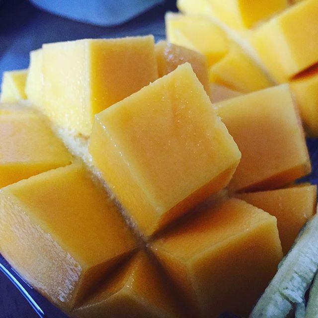 aokiのマンゴー食べて朝が始まるっていいね! #aoki #フルーツショップ #フルーツ #くだもの #果物 #マンゴー #夏休み #コスモス通り #郡山市 #郡山 #koriyama #デザート #朝ごはん