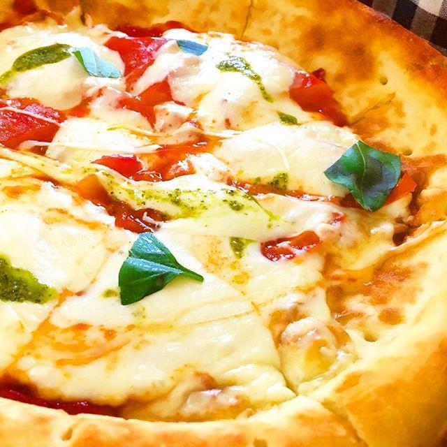 飛行船のピザはチーズたっぷり本格派。駐車場はいつも満車!#飛行船 #ピザ #本格的 #チーズたっぷり #マルゲリータ #駐車場あり #満車 #時間ずらして #パスタ #ドリア #ハンバーグ #安積 #郡山 #郡山市 #郡山ランチ #郡山カフェ
