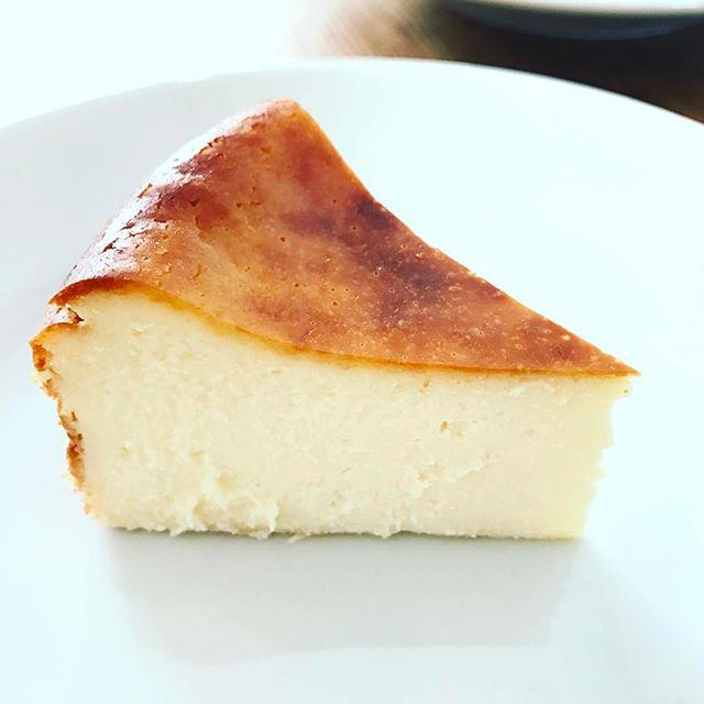 豆灯舎のチーズケーキ!郡山にこんな静かな空間があったとはね。 #郡山 #チーズケーキ #ケーキ #おやつ #お菓子 #甘い #スイーツ #カフェ #喫茶店 #豆灯舎 #開成 #デート #おひとりさま #読書 #静か #異空間 #のんびり #デザート #チーズ