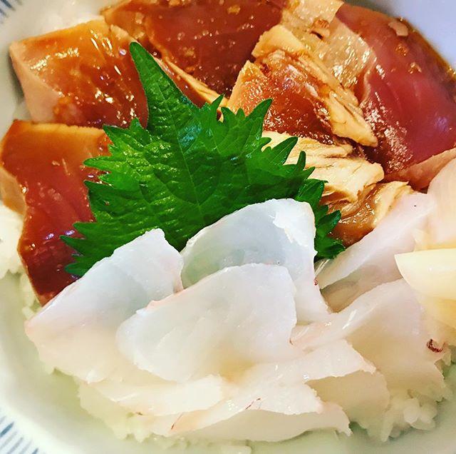 和伊んやで海の幸二種丼!海鮮丼もおいしそうだね。 #和伊んや #安積町 #海鮮丼 #丼 #ランチ #グルメ #おいしい #郡山 #郡山市 #懐石料理 #懐石 #料理 #鰹 #刺身 #海の幸