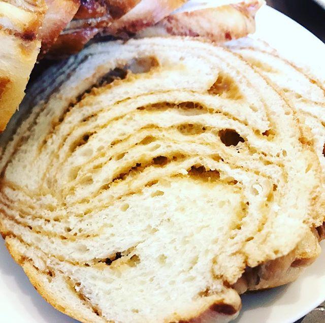 チロルのメープルフレンチトースト今年で何本目だろうね、おいしい。#チロル #メープルフレンチトースト #メープル #フレンチトースト #トースト #パン #蜂蜜 #はちみつ #おいしい #グルメ #おやつ #ランチ #ふわふわ #お菓子 #菜根 #手作り #郡山市 #郡山 #koriyama