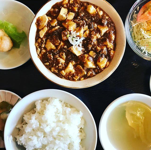 山茶華の日替わりが麻婆豆腐なら迷わず食べておきたいんだ。#山茶華 #山茶花 #麻婆豆腐 #中華料理 #お昼 #ランチ #おいしい #グルメ #定食 #豆腐 #日替わりランチ #日替わり #郡山市 #郡山 #中華