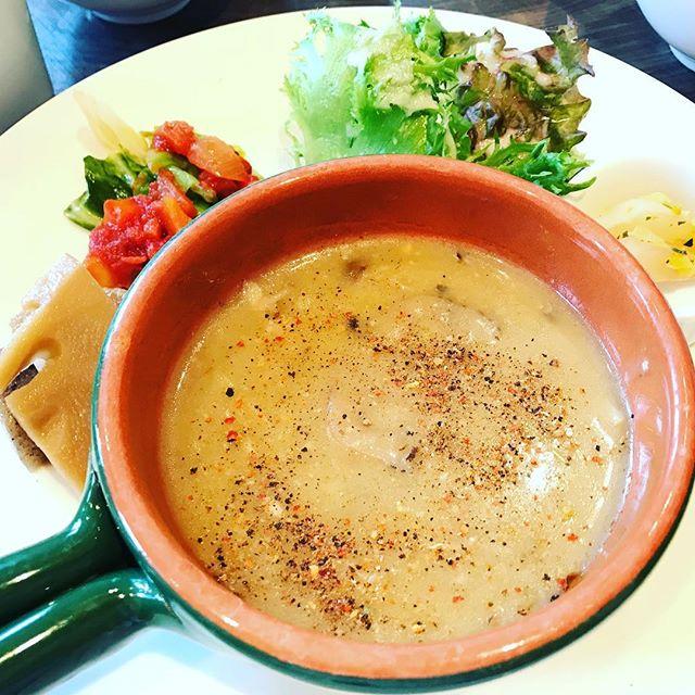 水彩カフェのカレー食べたよ、須賀川市で子連れランチとママ会のアジトだね。#水彩カフェ #カフェ #須賀川市 #ランチ #カフェランチ #カレーランチ #カレー #カレー大好き #カレー大好き人間 #カレー女子 #カレー好きな人と繋がりたい #カレー好きと繋がりたい #カレー好き同盟 #カレーインスタグラマー #お昼ご飯 #おひるごはん #お昼ご飯 #カフェ好き #カフェ好きな人と繋がりたい #カフェ好きと繋がりたい